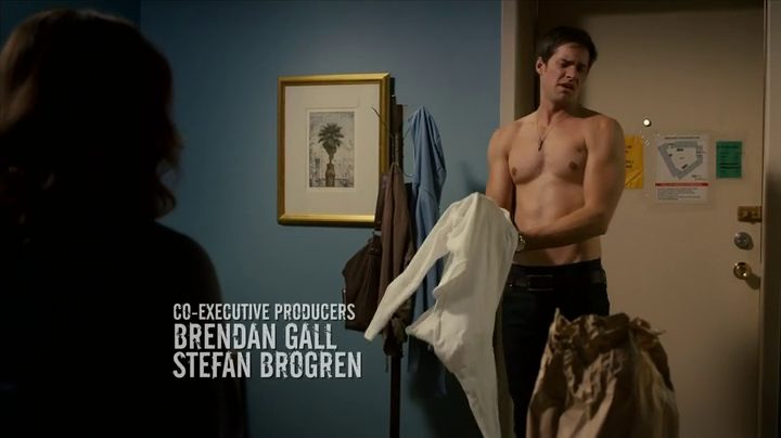 "Jonathan Patrick Moore as Connor Lake shirtless in The L.A. Complex 2×02 ""The Contract"""