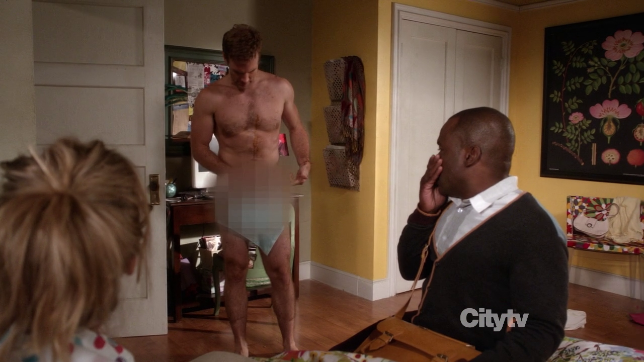 "James Van Der Beek as James Van Der Beek shirtless/naked in Don't Trust the Bitch in Apartment 23 2×03 ""Sexy People…"""