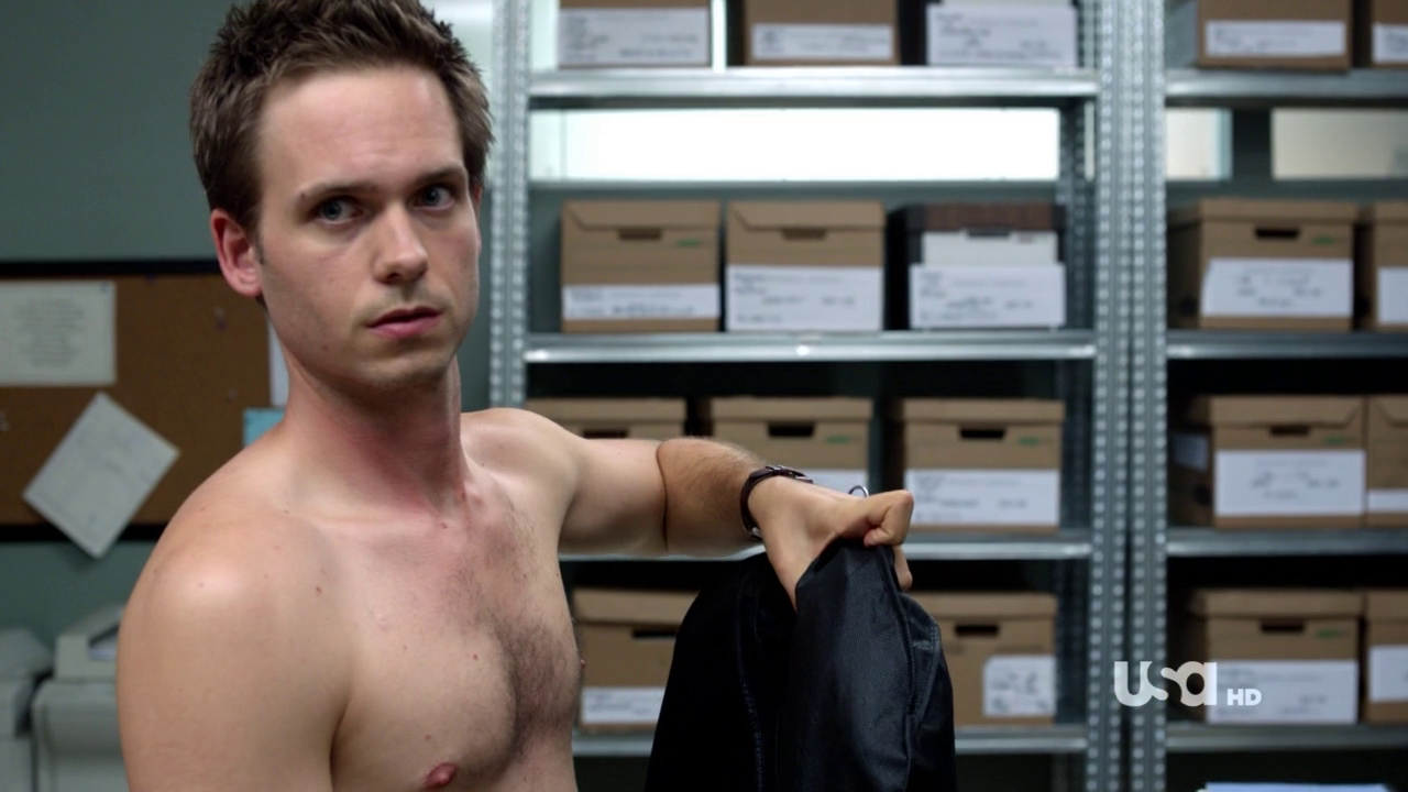 "Patrick J. Adams as Mike Ross shirtless in Suits 1×10 ""The Shelf Life"""