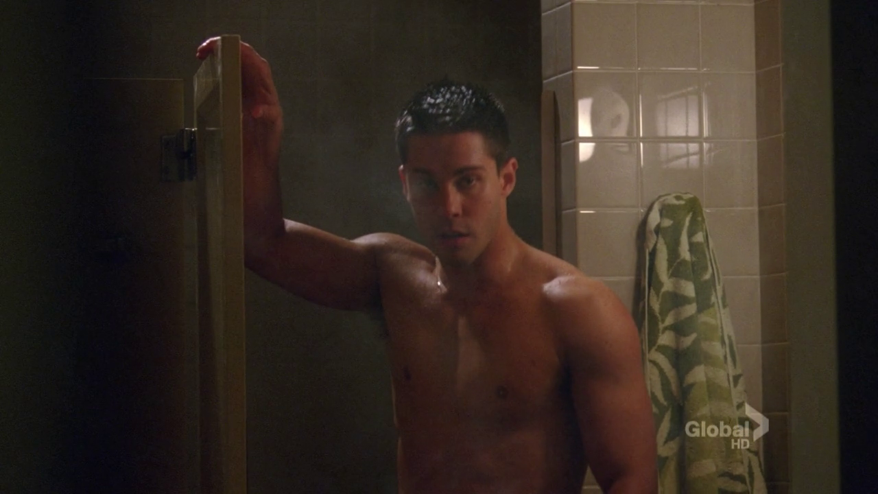 dean geyer as brody weston shirtless on glee 421501 �the new