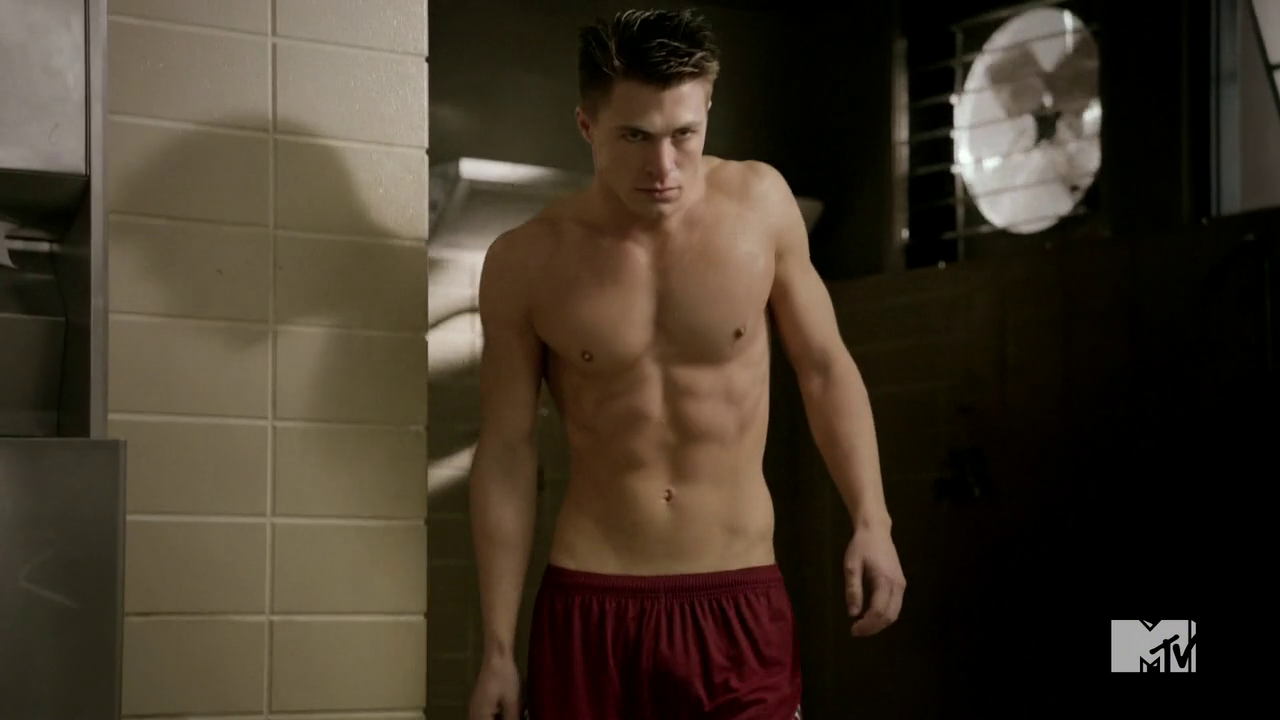 "Colton Haynes as Jackson Whittemore shirtless in Teen Wolf 2×07 ""Restraint"""