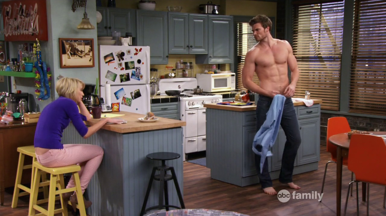 "Derek Theler as Danny Wheeler shirtless in Baby Daddy 2×04 ""New Bonnie vs. Old Ben"""