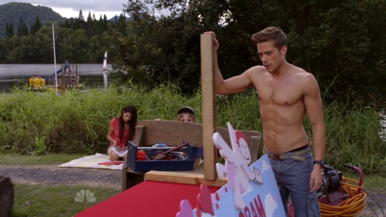 "Tim Pocock as Robbie Matthews shirtless in Camp 1×04 ""Valentine's Day in July"""