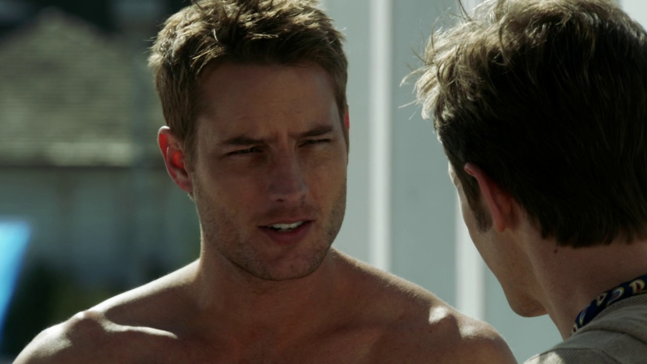 "Justin Hartley as Patrick Osbourne shirtless (and making out with Gabriel Mann as Nolan Ross) in Revenge 3×04 ""Mercy"""