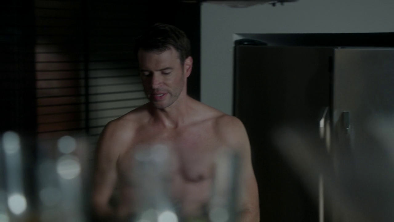 "Scott Foley as Jake Ballard shirtless in Scandal 3×05 ""More Cattle, Less Bull"""