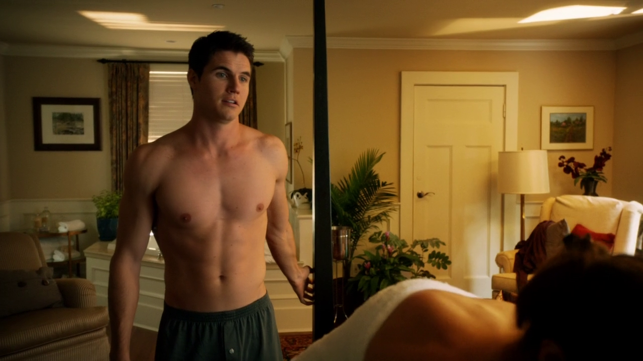 "Robbie Amell as Stephen Jameson shirtless in The Tomorrow People 1×07 ""Limbo"""