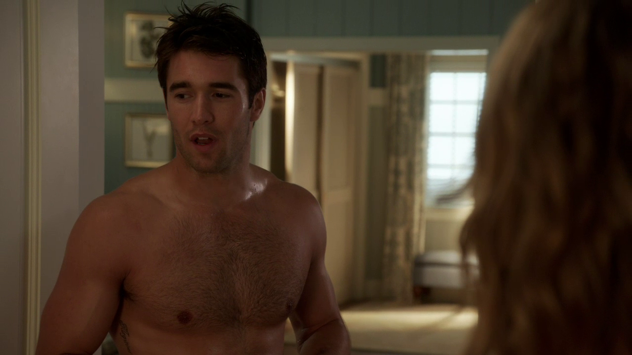 "Josh Bowman as Daniel Grayson shirtless in Revenge 3×08 ""Secrecy"""