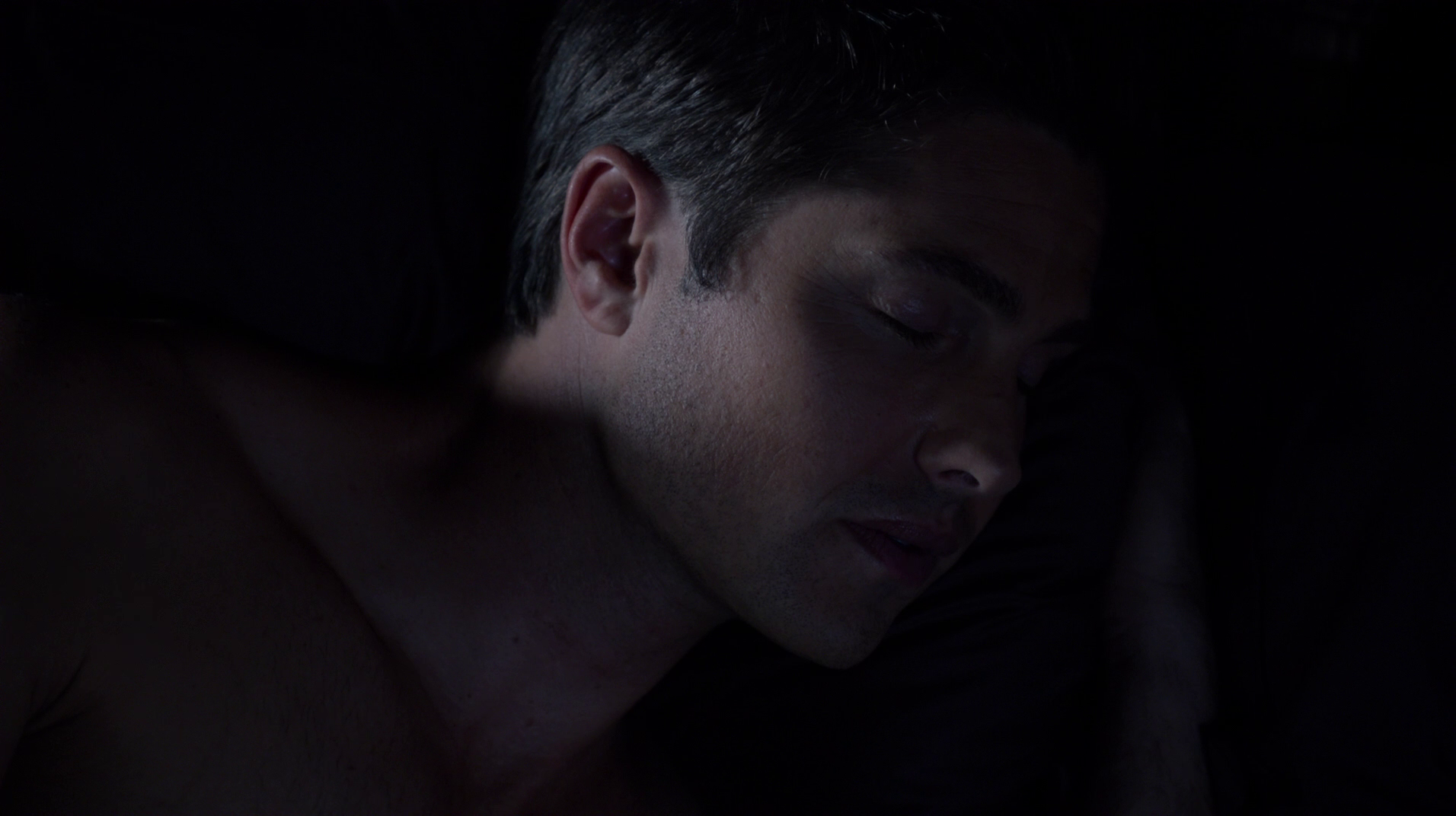 Eric Winter as Dash Gardiner shirtless in Witches of East ...