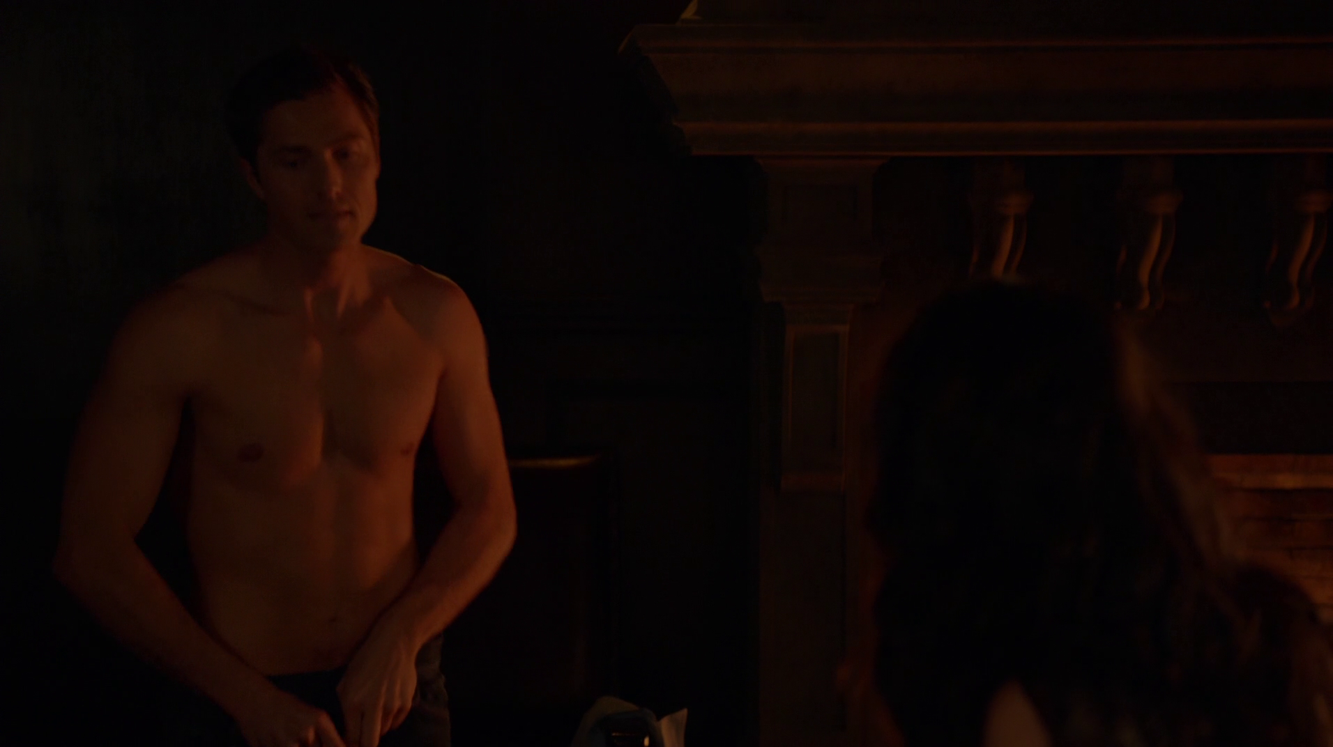 "Eric Winter as Dash Gardiner shirtless in Witches of East End 1×03 ""Today I Am A Witch"""