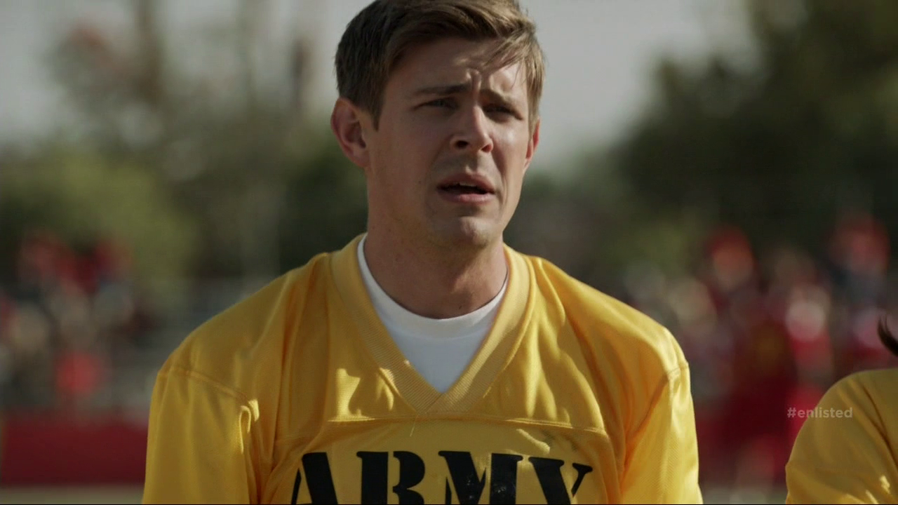 "Chris Lowell as Corporal Derrick Hill in Enlisted 1×04 ""Homecoming"""