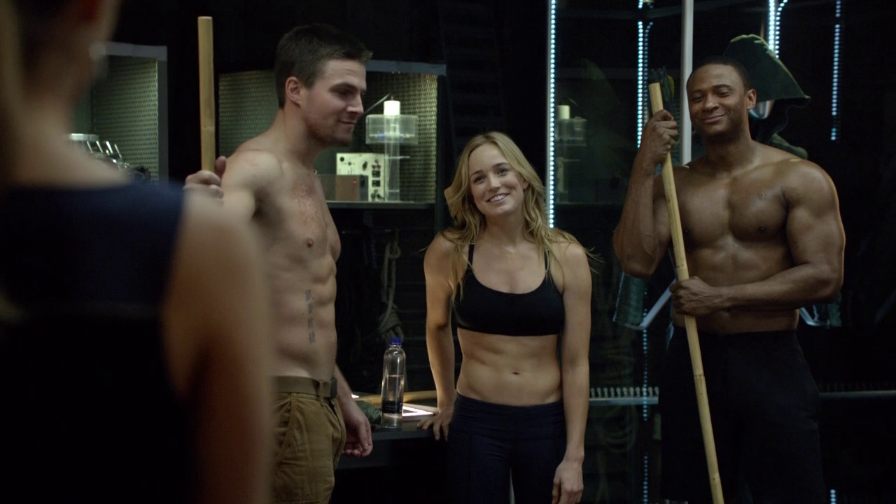 "Stephen Amell as Oliver Queen/Arrow and David Ramsey as John Diggle shirtless in Arrow 2×14 ""Time of Death"""