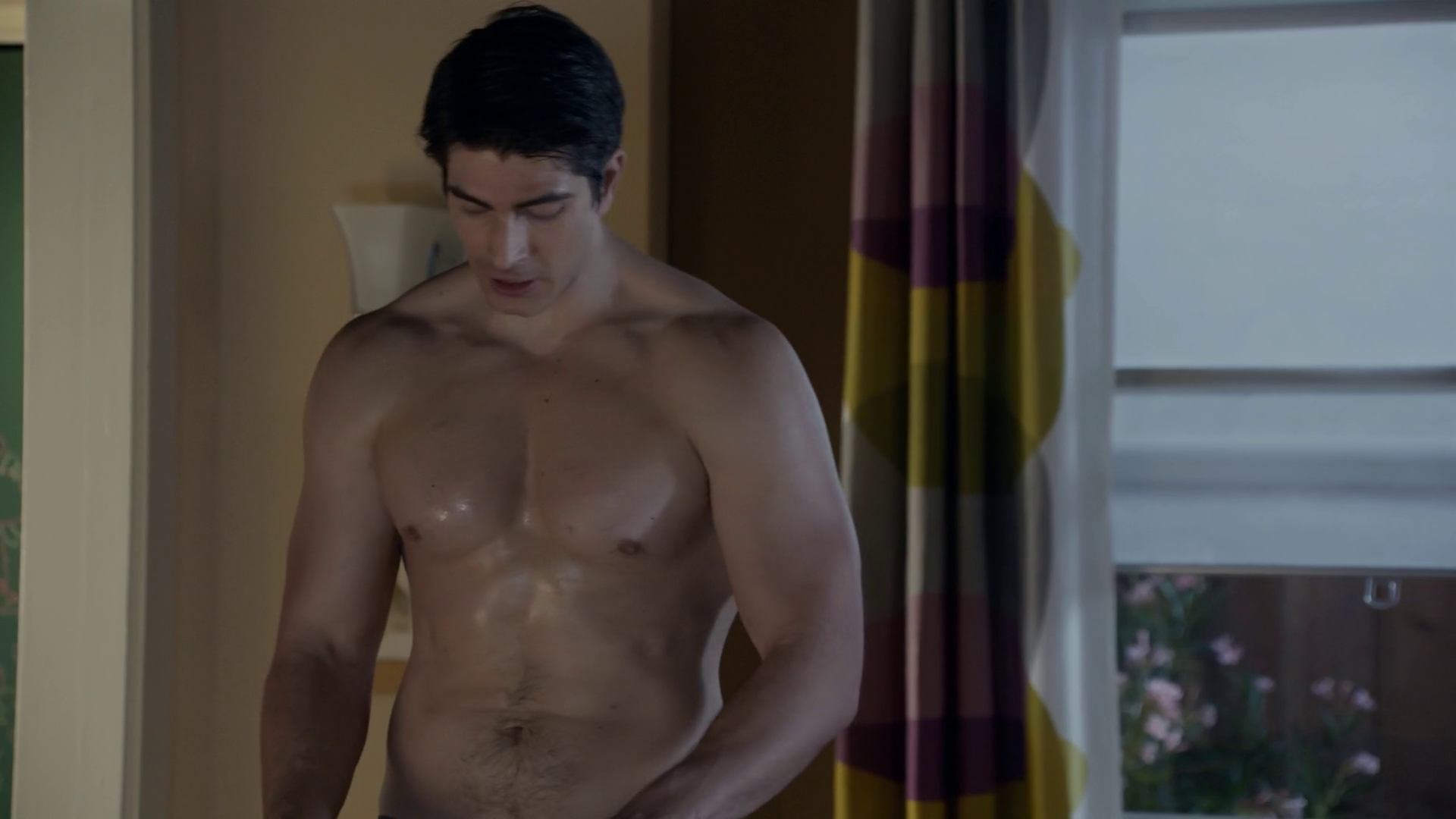 "Brandon Routh as Brandon Stone, Parker Young as Private First Class Randy Hill and Geoff Stults as Staff Sergeant Pete Hill shirtless in Enlisted 1×12 ""Army Men"""
