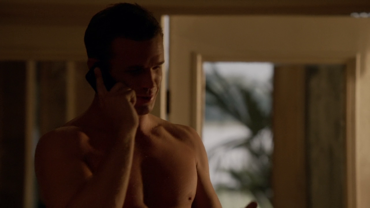 Cam Gigandet as Roy Rayder shirtless in Reckless 1×02 ""