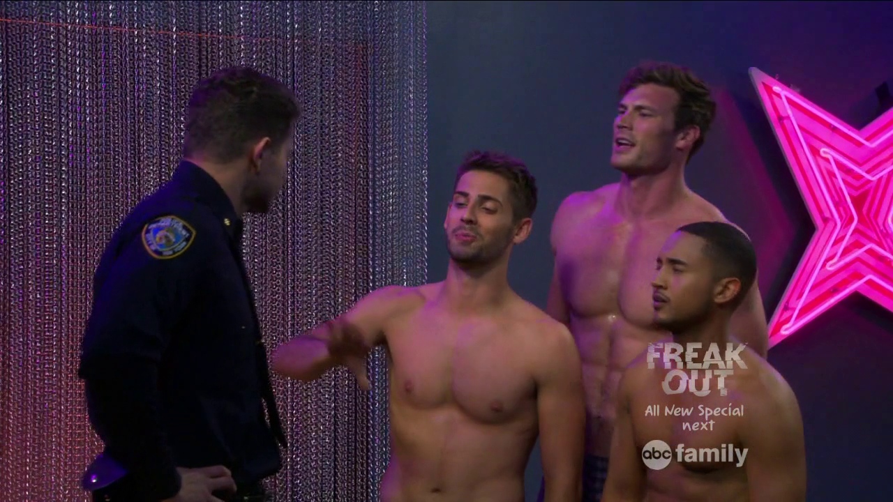 "Derek Theler as Danny Wheeler, Jean-Luc Bilodeau as Benjamin Bon Jovi ""Ben"" Wheeler and Tahj Mowry as Tucker Dobbs shirtless in Baby Daddy 4×01 ""Strip or Treat"""
