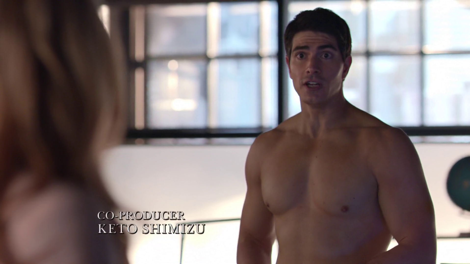"Brandon Routh as Ray Palmer/Atom shirtless in Arrow 3×07 ""Draw Back Your Bow"""