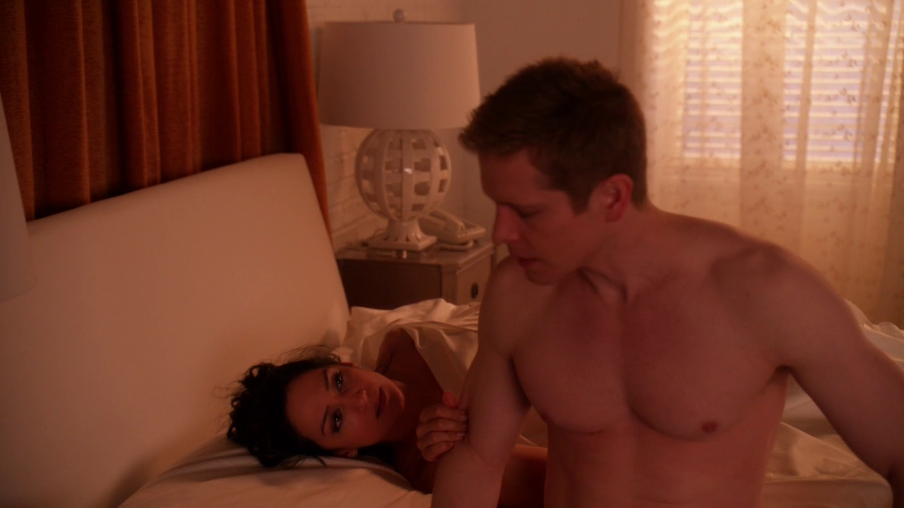"Matt Czuchry as Cary Agos shirtless in The Good Wife 5×22 ""A Weird Years"""