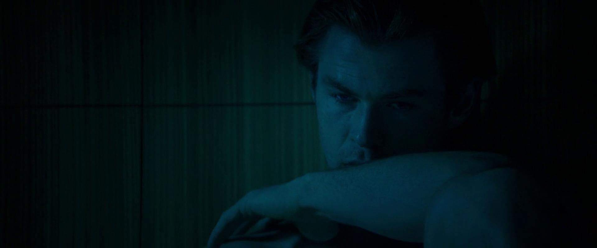 Chris Hemsworth as Nicholas Hathaway shirtless in Blackhat