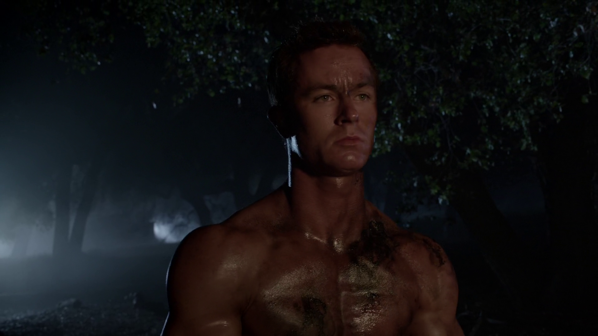 "Ryan Kelley as Deputy Jordan Parrish shirtless in Teen Wolf 5×04 ""Condition Terminal"""