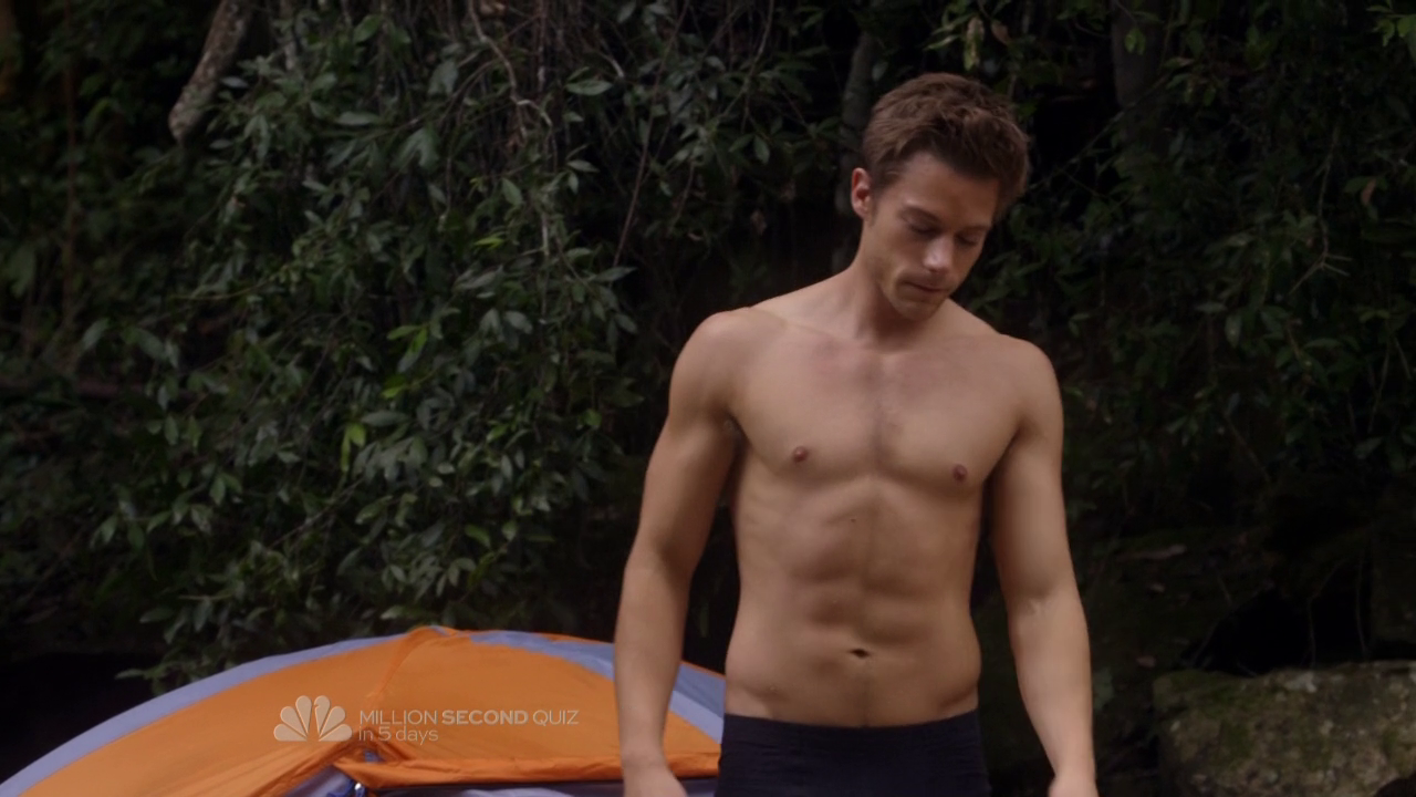 "Tim Pocock as Robbie Matthews and Oliver Edwin as Guilhem shirtless in Camp 1×09 ""CIT Overnight"""
