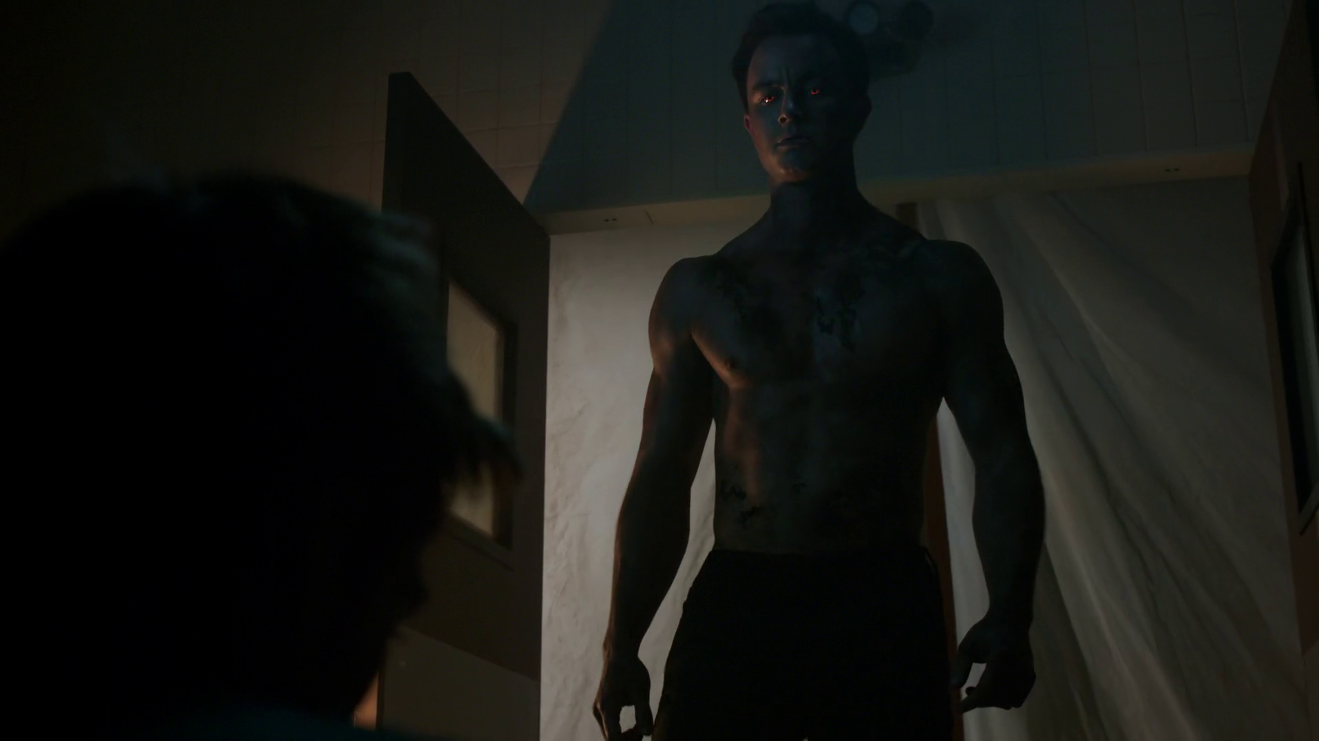 "Ryan Kelley as Deputy Jordan Parrish shirtless in Teen Wolf 5×10 ""Status Asthmaticus"""