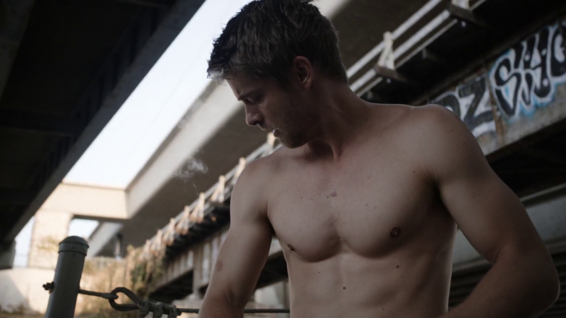 "Luke Mitchell as Lincoln Campbell / Sparkplug shirtless in Marvel's Agents of S.H.I.E.L.D. 3×03 ""A Wanted (Inhu)man"""