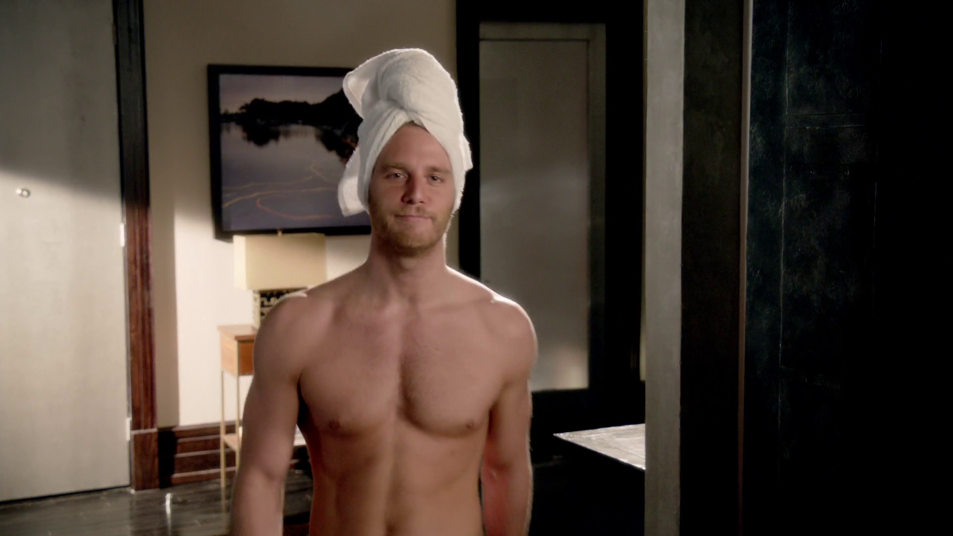 "Jake McDorman as Brian Finch shirtless in Limitless 1×07 ""Brian Finch's Black Op"""