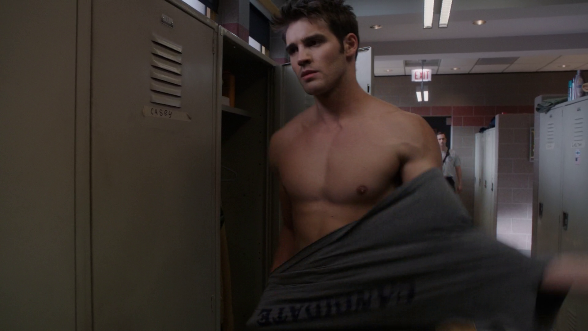 "Steven R. McQueen as Jimmy Borrelli shirtless in Chicago Fire 4×03 ""I Walk Away"""