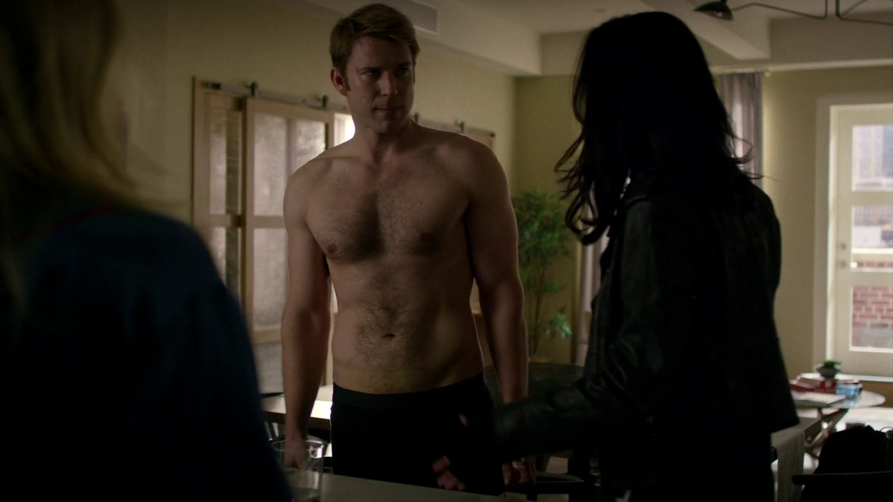 "Wil Traval as Will Simpson shirtless in Marvel's Jessica Jones 1×05 ""AKA The Sandwich Saved Me"""