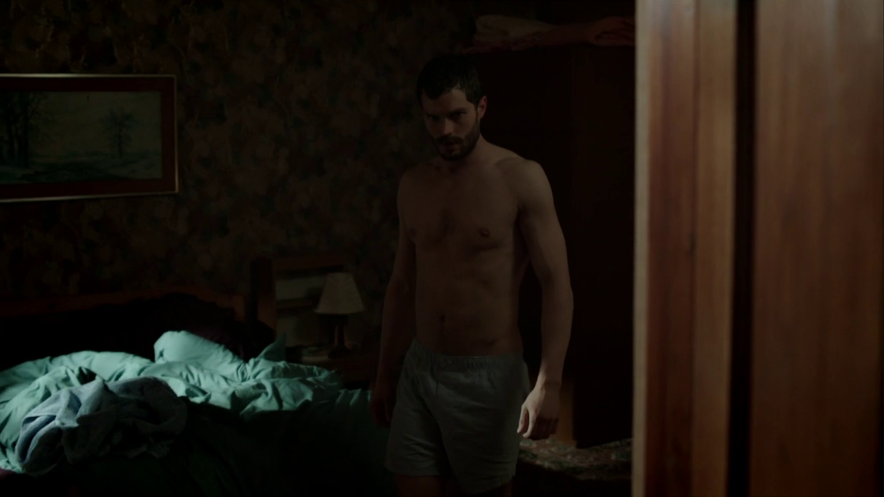 "Jamie Dornan as Paul Spector shirtless in The Fall 2×03 ""Beauty Hath Strange Power"""