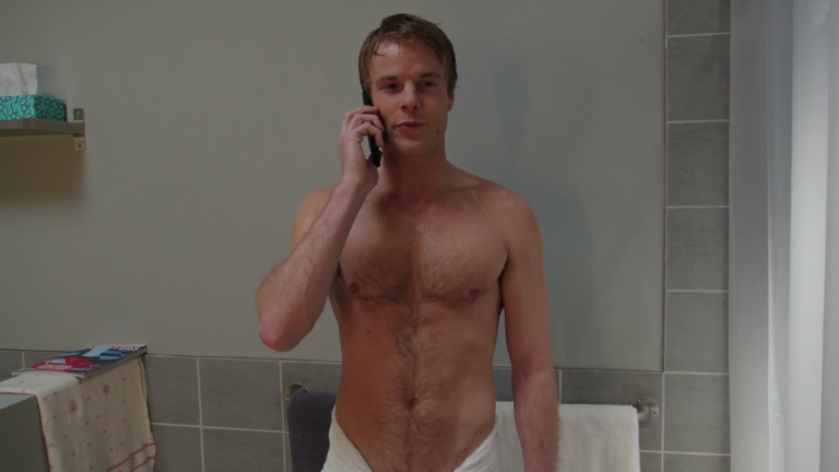 "Graham Rogers as Caleb Haas shirtless in Quantico 1×14 ""Answer"""