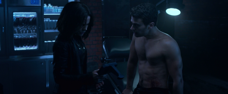 Theo James as David shirtless in Underworld: Blood Wars