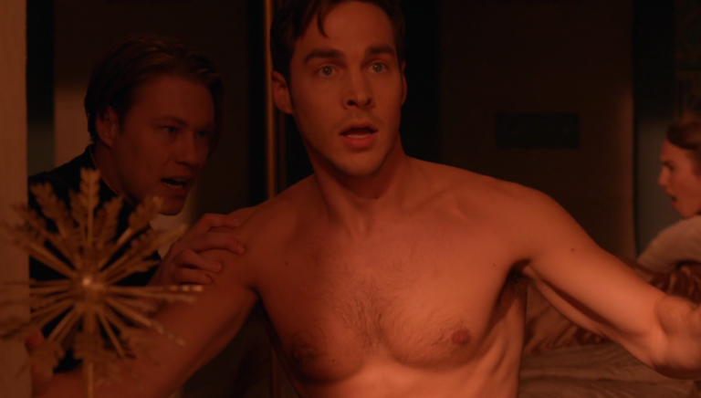 "Chris Wood as Mon-El shirtless in Supergirl 2×16 ""Star-Crossed"""