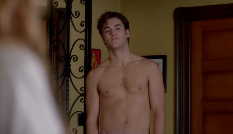 "Charlie DePew as Jake Salt shirtless in Famous in Love 1×03 ""Not So Easy A"""