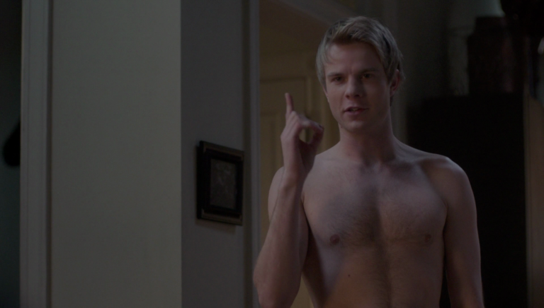 "Graham Rogers as Caleb Haas shirtless in Quantico 2×19 ""Mhorder"""