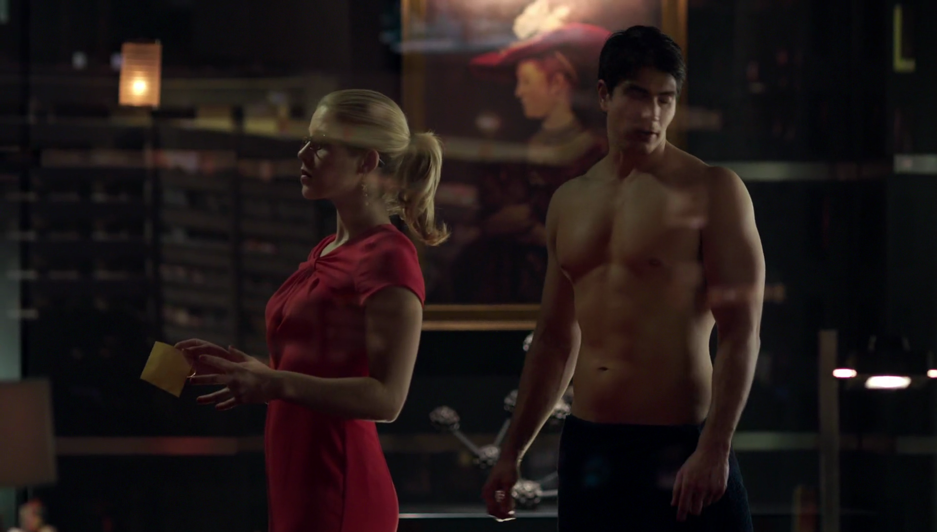 "Brandon Routh as Ray Palmer/Atom shirtless in Arrow 3×15 ""Nanda Parbat"""