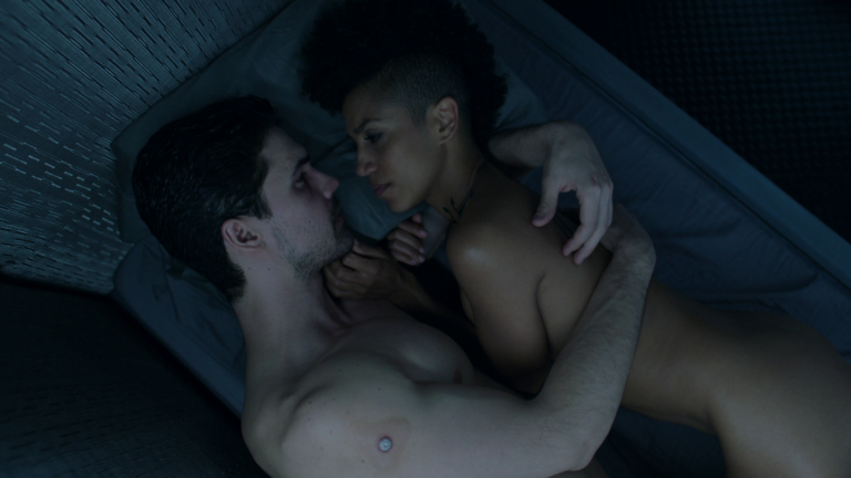 "Steven Strait as James ""Jim"" Holden shirtless in The Expanse 3×06 ""Immolation"""