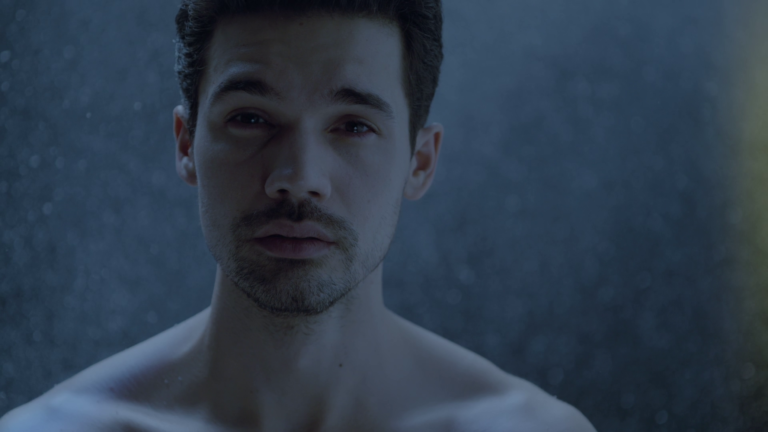 "Steven Strait as James ""Jim"" Holden shirtless in The Expanse 3×10 ""Dandelion Sky"""