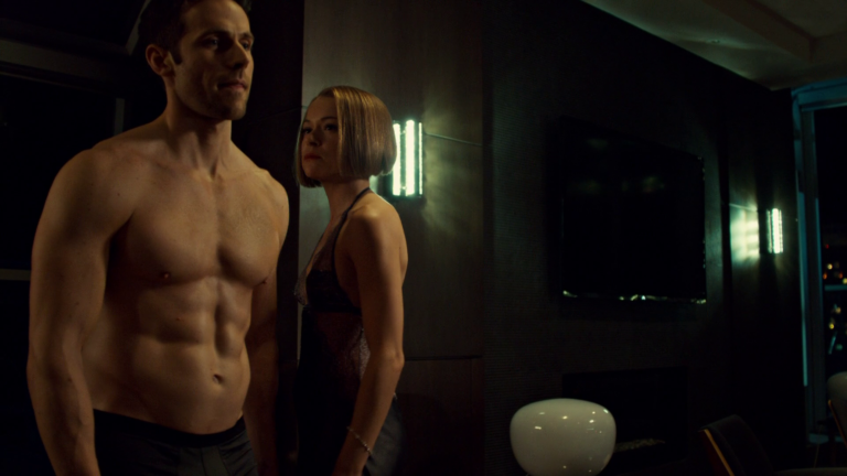 "Dylan Bruce as Paul Dierden shirtless in Orphan Black 2×05 ""Ipsa Scientia Potestas Est"""